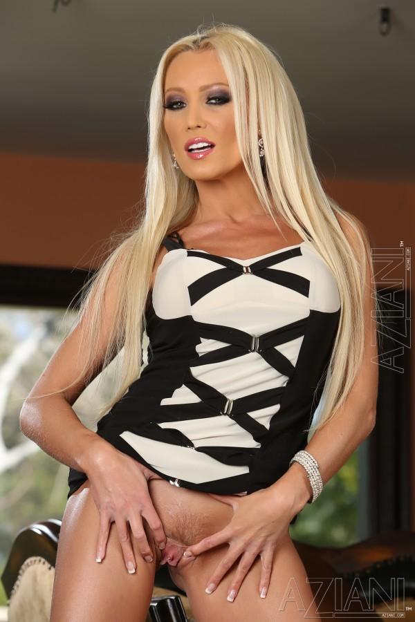 Стриптиз чешской блондинки Дианы Долл